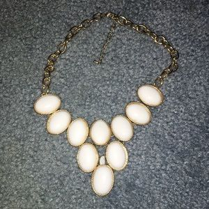 Jewelry - White bubble necklace